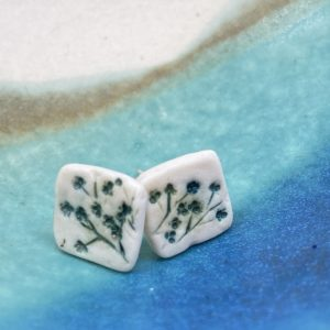 Cornish hedgerow earrings – moss green square